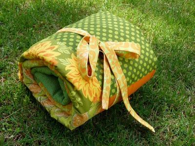 picnic blanket roll