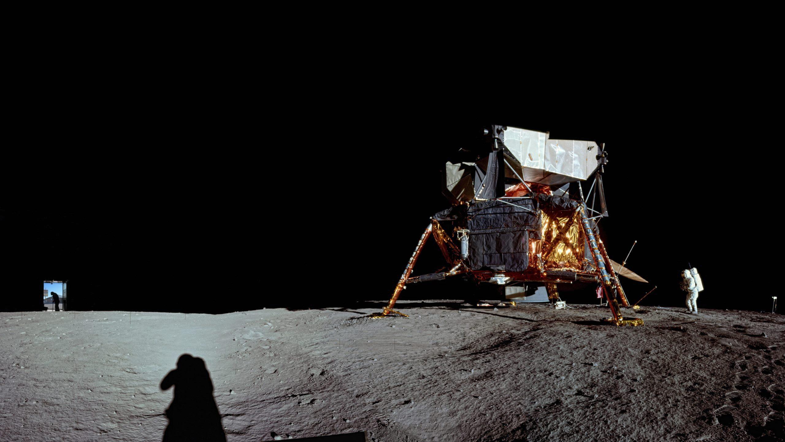 Apollo Moon Landing [2560x1440] : wallpapers