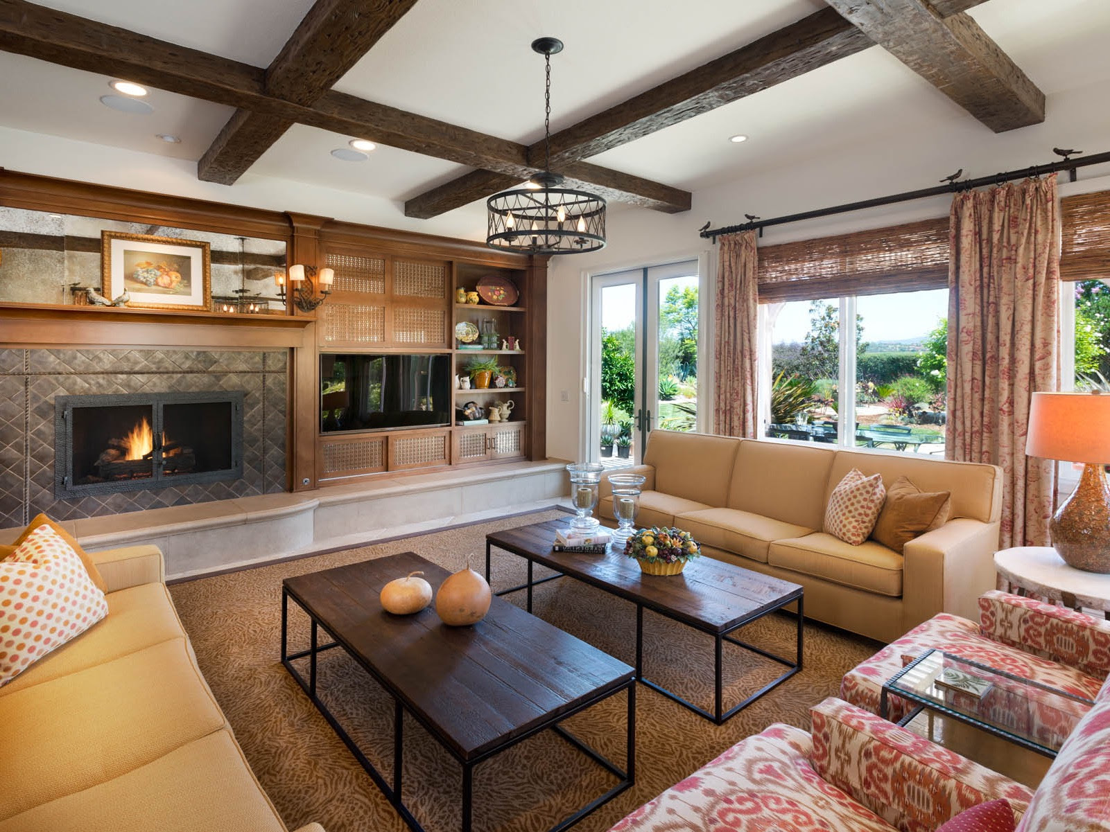 Rustic Western Living Room Interior Decor Style   Custom ...