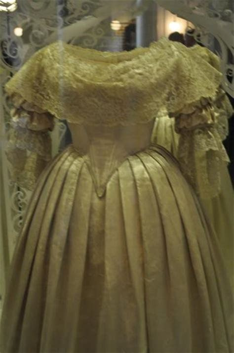 Queen Victoria?s Wedding Dress   Paperblog
