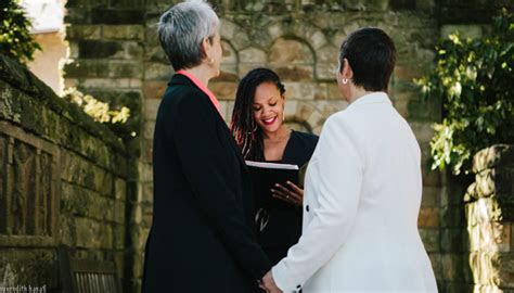 hire  professional officiant iapwoorg