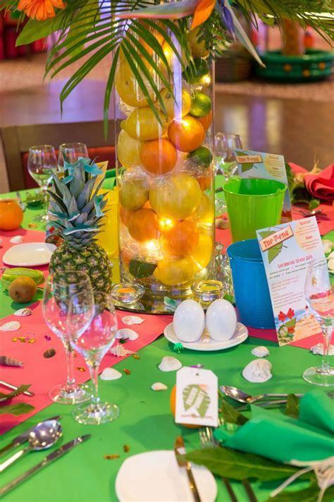 Caribbean Tropical Beach Party table displays   Caribbean