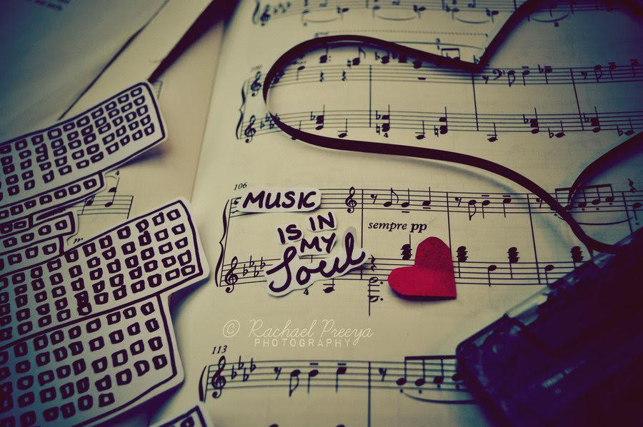 http://chollyde.webs.com/music-is-my-life-8.jpg