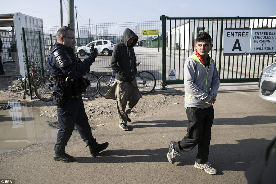 Police have already been turning away newly arrived migrants from the condemned camp