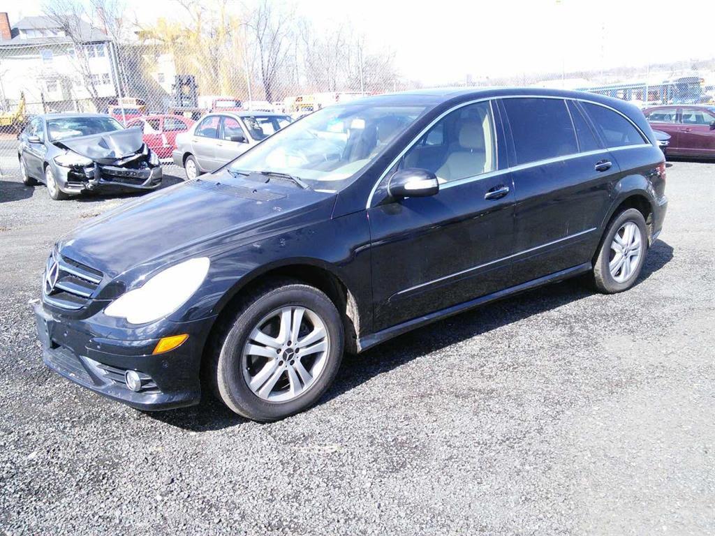 2009 Mercedes Benz R350 (Hartford, CT 06114) | Property Room