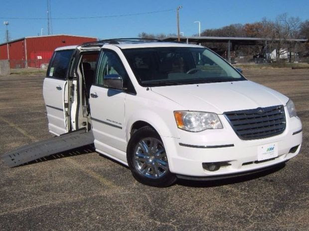 For Sale Texas Fort Worth 2010 Used Chrysler Town And