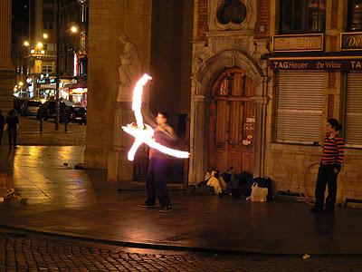 jongleurs la nuit.jpg