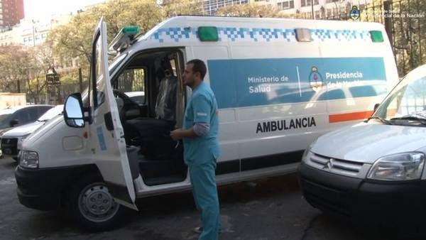 El ministrerio de Salud de la Nación entregó ayer ambulancias a su par de la provincia de Buenos Aires.