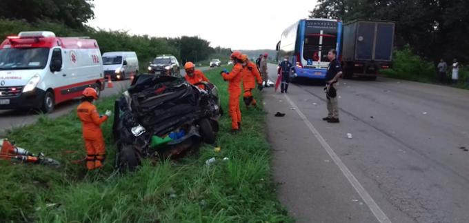 TRAGÉDIA - Acidente com ônibus deixa cinco mortos na BR-135 no Maranhão