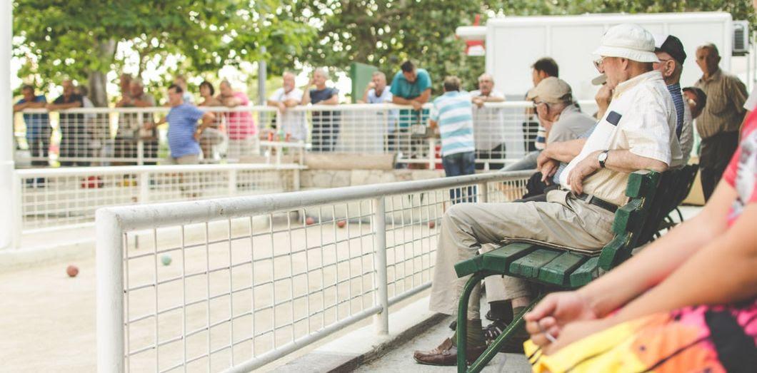 Trois études se disputent la vérité sur l'odeur de personne âgée. |Arnel Hasanovic via Unsplash