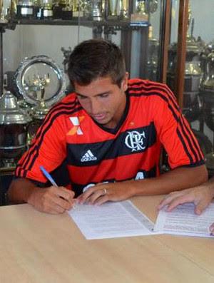 Lucas Mugni assina contrato Flamengo (Foto: Divulgação/Colón)