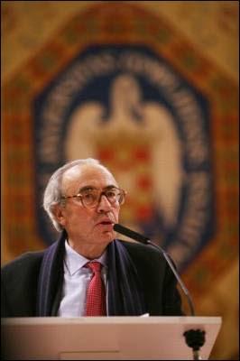 El ex presidente del Congreso de los Diputados Gregorio Peces-Barba, en el homenaje a Enrique Ruano, asesinado por la Policía franquista, el 20 de enero de 2009.