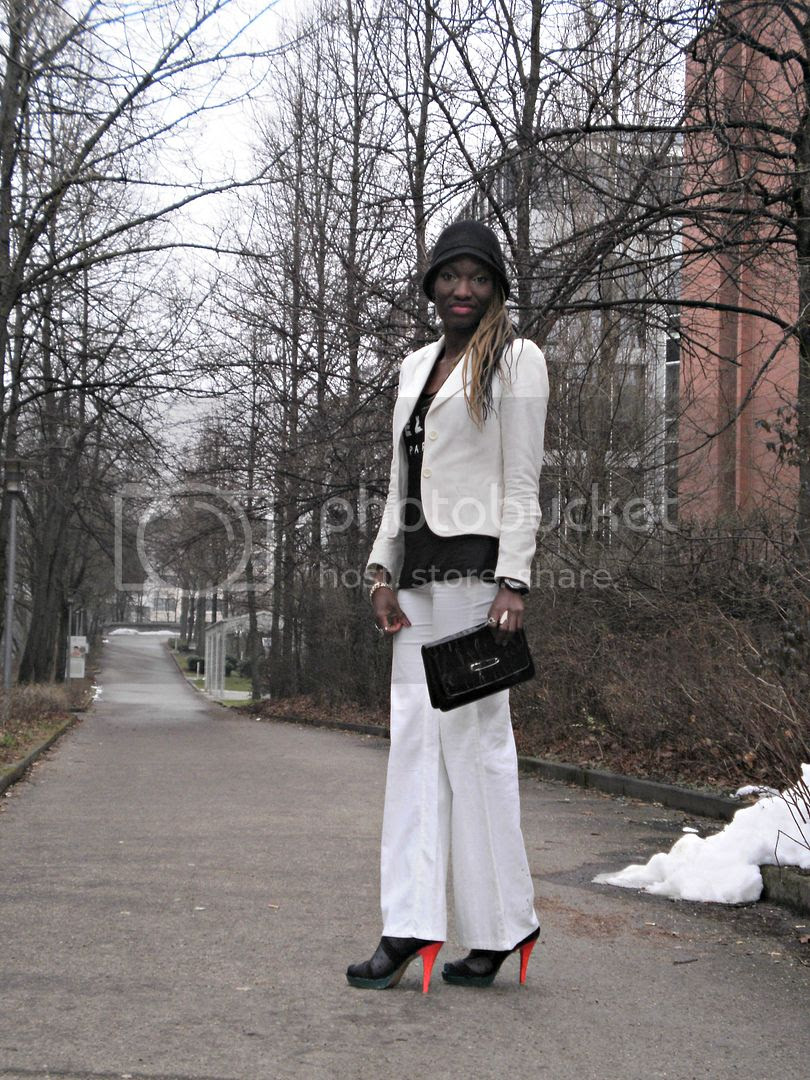 Add a pop of colour to a black and white look.jpg