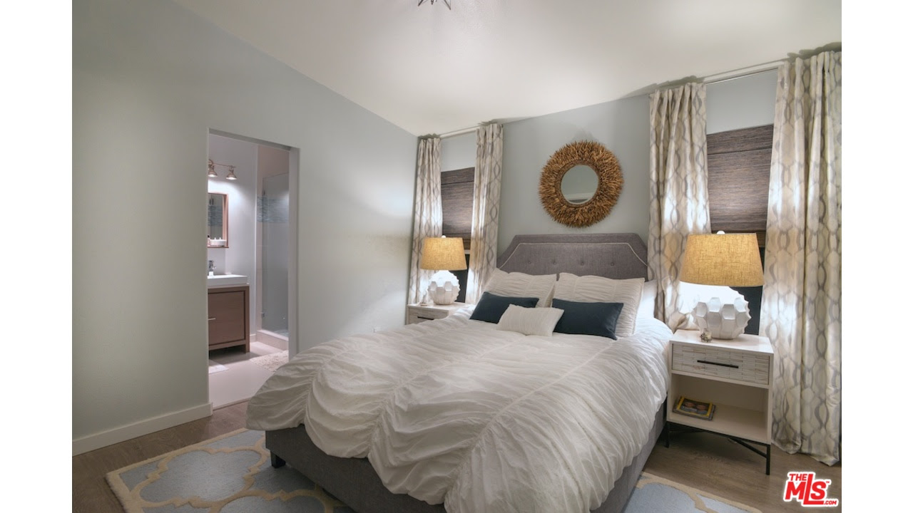 Modern Small Bedroom Paint Ideas #1365 | Latest Decoration ...