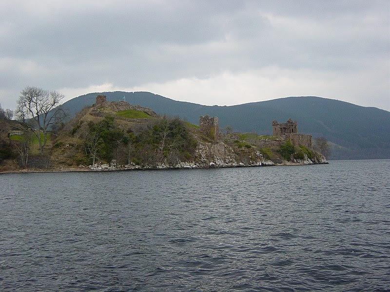 Image:Loch Ness Urquhart2.jpg