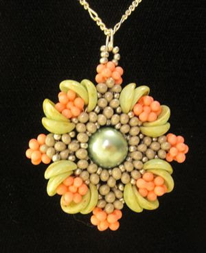 New Hegemone Beaded Pendant by Robi Lynn at Bead-Patterns.com