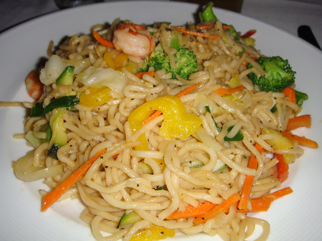 Egg Noodles with Vegetables and Prawns