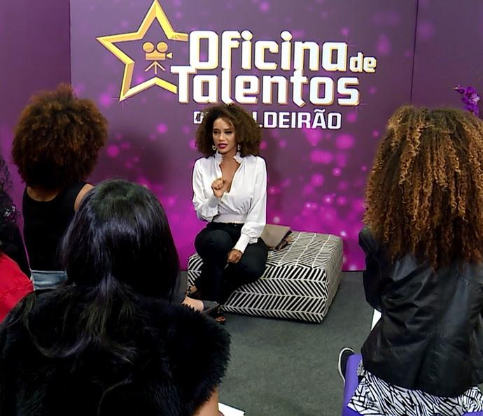 """Tais Araújo fala da oportunidade que as meninas têm com o concurso """"Casting Cufa Solte seu Brilho"""" (Foto: TV Globo)"""