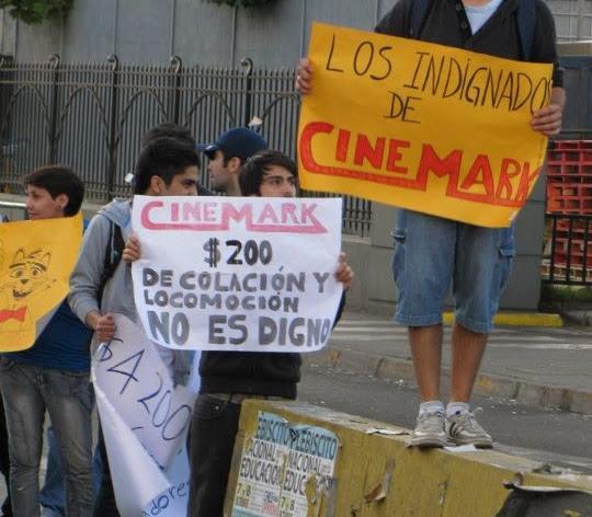 Protesta trabajadores Cinemark