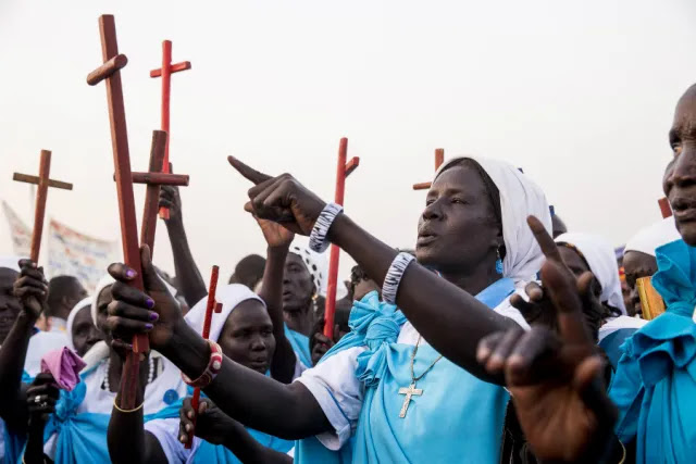 Catholics at a camp for internally displaced persons near Malakal, South Sudan, Jan. 13, 2016. Credit: UN Photo/JC McIlwaine via Flickr (CC BY-NC-ND 2.0).