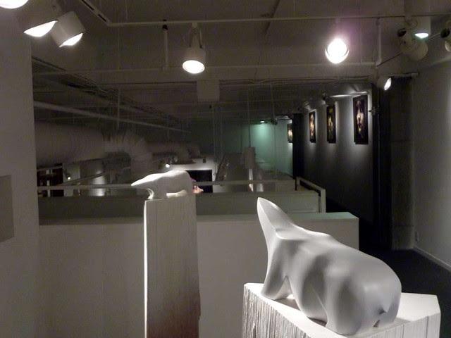P1050216-2010-11-19-Bill-Lowe-Gallery-Bear-Sculptures by Joseph Rossano