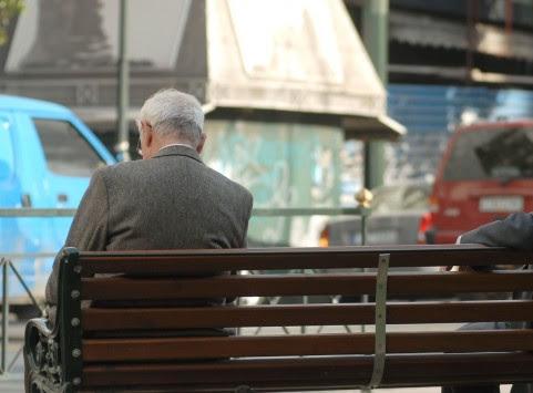 Αυξάνονται τα όρια συνταξιοδότησης από το 2015 – `Μπλόκο` στις πρόωρες και νέες παρεμβάσεις στις επικουρικές
