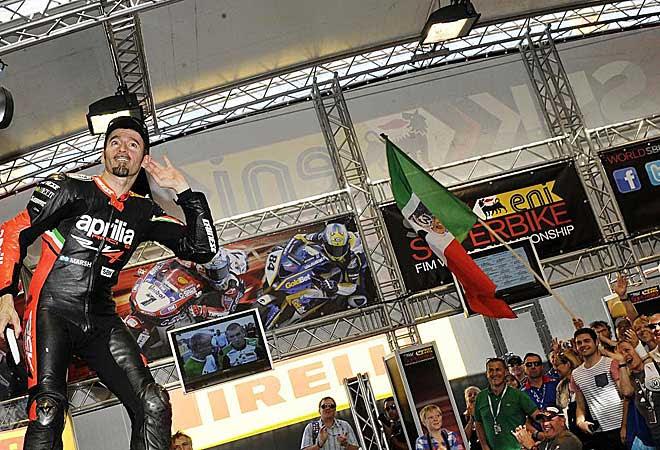 Biaggi cerró su trayectoria deportiva con su segundo Mundial de Superbikes.