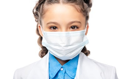 Chi non usa la mascherina a scuola: interrogato e sospeso