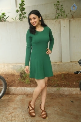 Sakshi Kakkar New Photos - 2 of 26
