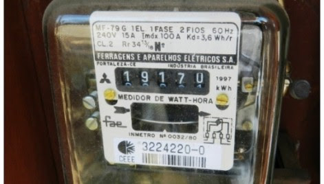 Consumidor acusado de ter inclinado medidor de energia será indenizado