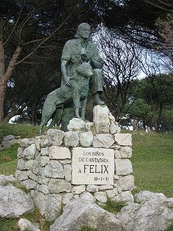 Statue of Felix Rodriguez de la Fuente in Santander.jpg