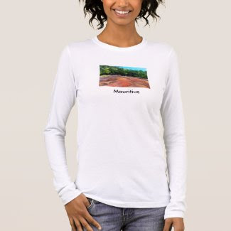 T-Shirt with 7-Colours Earth Theme