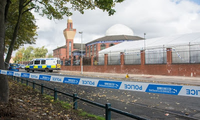 UK: Muslim Boy, 14, critical after being stabbed outside mosque in Birmingham