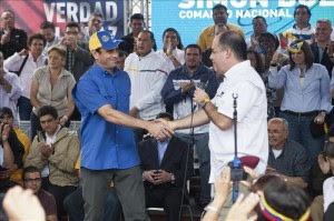 Capriles dice que toma fuerza posible referéndum revocatorio del Parlamento. EFE