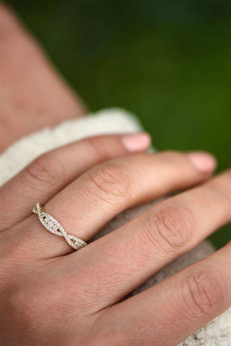 2019 Popular Wedding Bands That Fits Around Engagement Ring