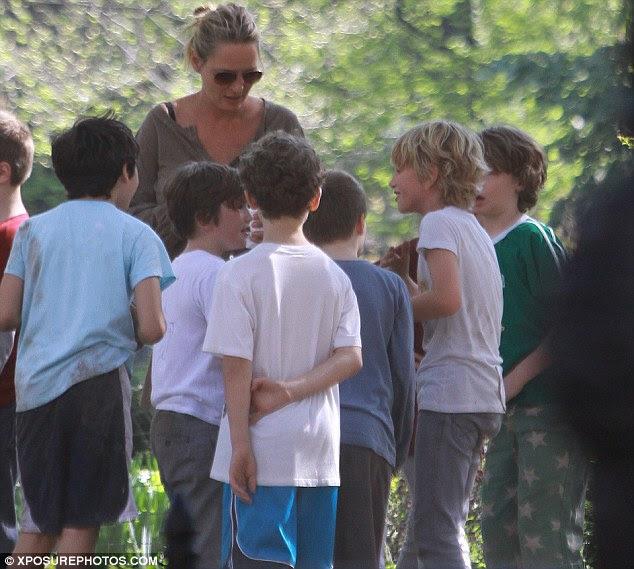 Güneş iliklerine: Uma oğlu Levon ve arkadaşlarının bir grup tarafından parkta katıldı