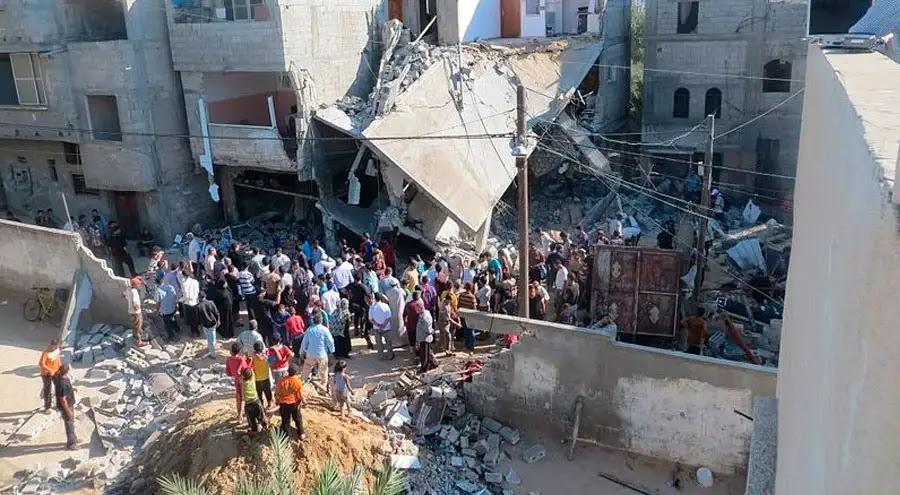 Vivienda destruida por bombardeo en Gaza. Seis personas, incluyendo una niña, murieron. Foto: Wikipedia Muhammad Sabah (CC-BY-4.0)