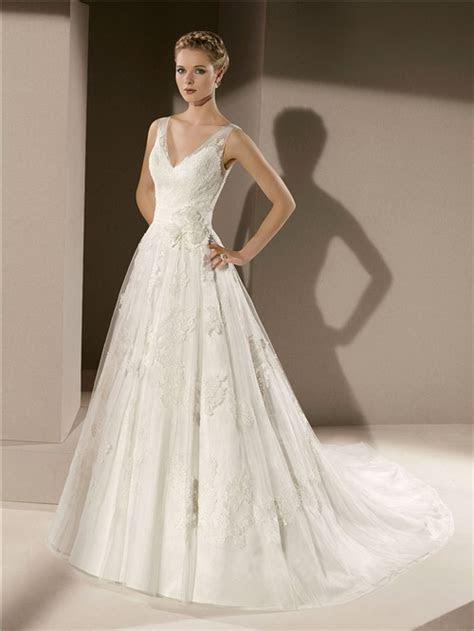 Classic A Line V Neck Low Back Vintage Lace Wedding Dress