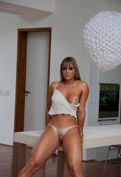 Juju Salimeni Nude Pics (@Tumblr) | Top 12 Hottest