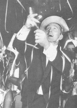 O astro Kirk Douglas foi um dos convidados de honra do carnaval brasiliense de 1963  (Henry Ballot/Reprodução)