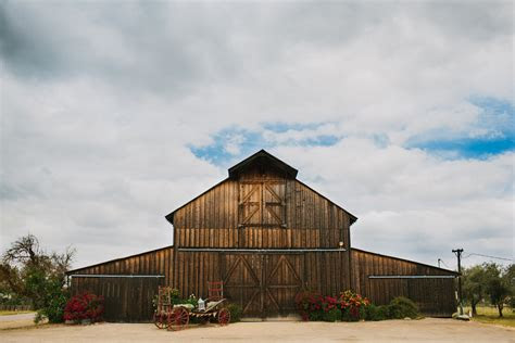 california barn wedding  santa margarita ranch rustic