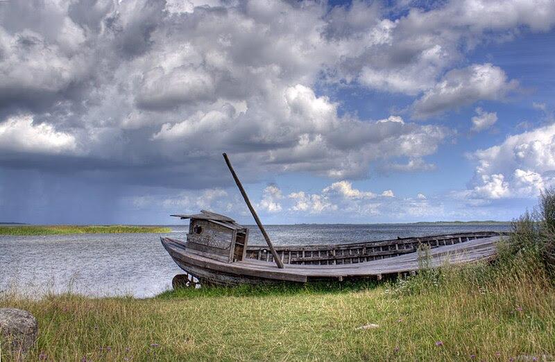 File:Shipwreck.jpg