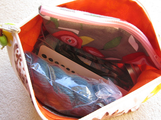 What's in my bag 002