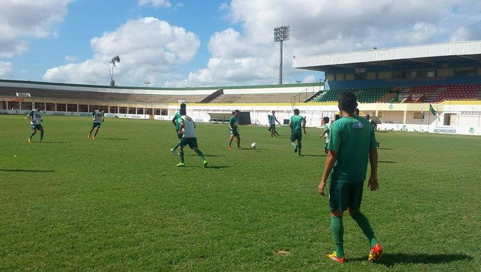 RN - Baraúnas treino Estádio Nogueirão (Foto: Yhan Victor/Divulgação)