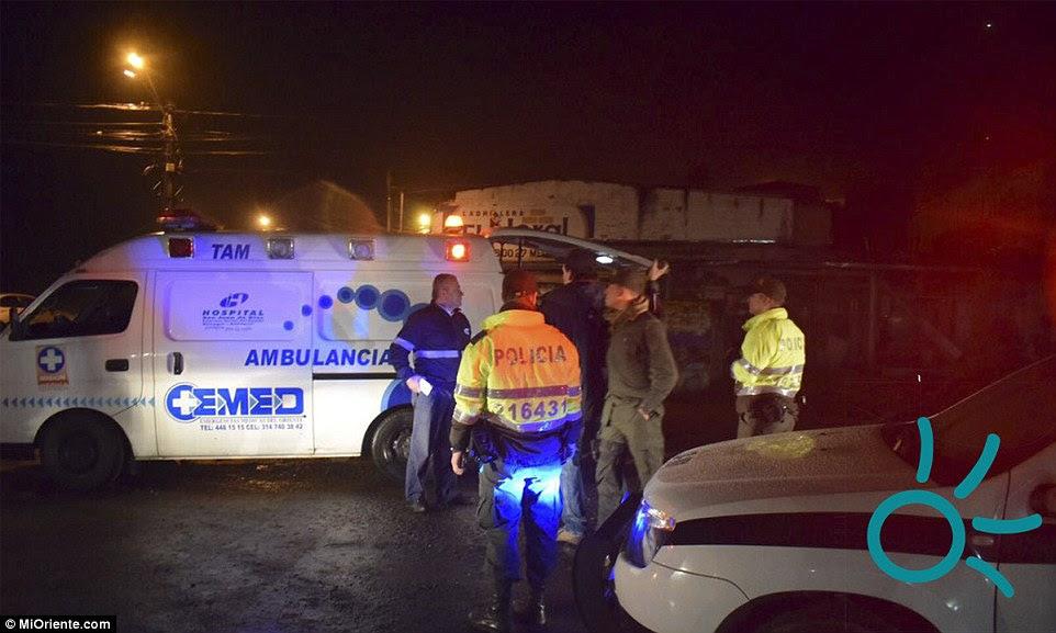 """hospitais próximos foram colocados em """"alerta máximo"""" e estão se preparando para passageiros feridos a serem tratados"""