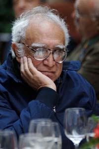 Carlos Monsiváis en un retrato de enero de 2010. Foto: Miguel Dimayuga
