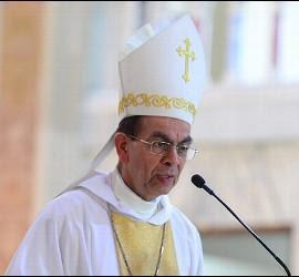 El obispo auxiliar de San Salvador y ahora cardenal, Gregorio Rosa Chávez
