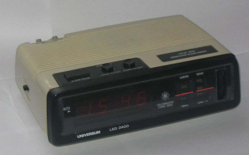 File:Computer clock radio.jpg