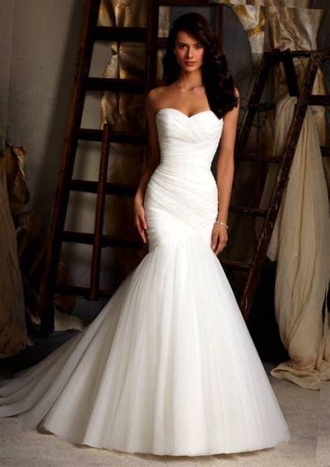 1000  ideas about Curvy Wedding Dresses on Pinterest