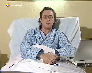 Hermann Tertsch, anoche, emitió su editorial desde el hospital. (Telemadrid)
